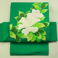 Nagoya obi / 内々のパーティーにも 緑地 艶やかな花のお太鼓柄 名古屋帯 #Kimono #Japan http://global.rakuten.com/en/store/aiyama/
