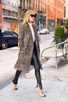 From puffers to peacoats, shop the very best winter coats for women. Animal Print Outfits, Animal Print Fashion, Fashion Prints, Winter Outfits For Work, Fall Outfits, Chic Outfits, Fashion Outfits, Casual Chique, Leopard Print Coat