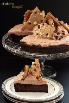 Chocolate Flourless Cake topped with Whipped Cream Frosting and Mocha Meringue Bark #glutenfree #grainfree