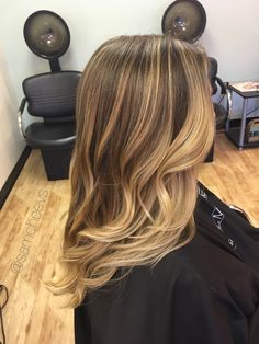 Honey platinum baby blonde color on golden long dirty blonde and dark brown / light balayage on medium to long #BlondeHairstylesDirty