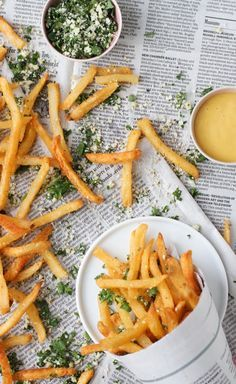 Fry Away With Me: Lemon and Herb Summer Seasoning for French Fries / Food styling / Food photography inspiration Think Food, I Love Food, Good Food, Yummy Food, Tasty, Awesome Food, French Fry Seasoning, Fingers Food, French Fries Recipe