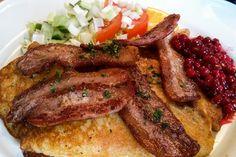 Schwedische Hausmannskost - Kartoffelpuffer mit Speck und Preisebeeren  ... #café #glasreich