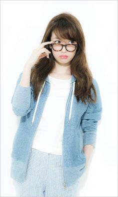 Erika Mori (^。^)〆 Mori Fashion, Fashion Pants, Fashion Models, Japanese Beauty, Japanese Fashion, Asian Beauty, Asian Cute, Beauty Photos, Womens Glasses