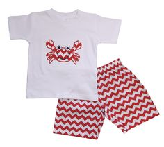 White, short sleeve t-shirt with cheerful crab applique in red and white chevron. Pair with red and white chevron shorts for a cute, summer outfit for boys! #kids #boys