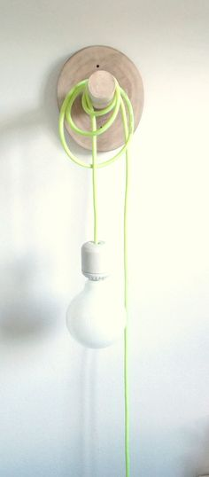 Lámparas de pared - Ménsula circular, $460 en http://ofeliafeliz.com.ar