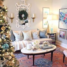 This is how our very own, @lindsaymenscraig does Christmas at home! Head to my website for an exclusive tour of her lovely home decked out in holiday sparkle! Can you guess what her favourite festive colour is? #teamSRD #getinspired #tistheseason www.sarahrichardsondesign.com #Padgram