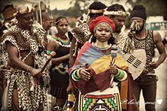 Traditional Zulu wedding [photo by Black Frame Photography]. African Inspired Fashion, African Print Fashion, African Culture, African History, African Wear, African Dress, African Traditional Wedding, Traditional Weddings, Zulu Wedding