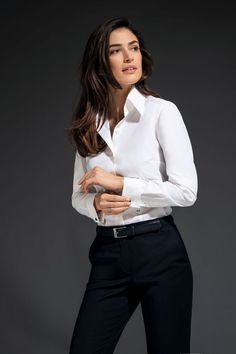 Girls White Shirt, White Shirt Outfits, White Shirt And Jeans, Outfits Mujer, Outfits Damen, Ladies Shirts Formal, Professional Headshots Women, Outfit Stile, Suits For Women