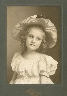 +~+~ Antique Photograph ~+~+  Exquisite girl