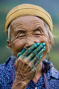Hidden smile in Vietnam - Réhahn Photography