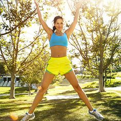 Hey WALKERS! Here's an incredible walking workout that zaps 350 calories in no time flat (created by The Biggest Loser's Bob Harper!) | health.com