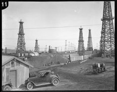 An oilfield in Inglewood in circa 1920.