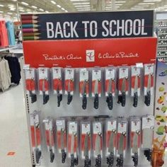 Back To School Knife Display Main this what Yandere needed Tumblr Posts, Job Fails, Karma X Nagisa, Back To School Pictures, Heathers The Musical, Yuno Gasai, You Had One Job, Joke Of The Day, Back To School Supplies