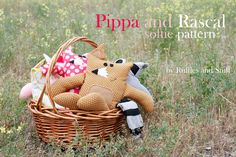 ~Ruffles And Stuff~: Pippa and Rascal- A Free Softie Pattern! Would like to make the racoon for my little coon hunter. Plushie Patterns, Softie Pattern, Fox Pattern, Doll Patterns, Bear Patterns, Fox Stuffed Animal, Stuffed Animal Patterns, Diy Stuffed Animals, Stuffed Fox