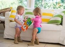 Toddler twins can be a big challenge. Here are some tips for raising, handling, and parenting your toddler twins. Family Psychologist, Twin Toddlers, Sibling Rivalry, Raising Twins, Conflict Resolution, Teaching Kids, Parenting Hacks, Disney, Children