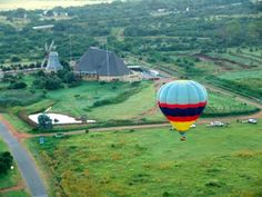 Takeoff in a hot air balloon at Hartbeespoort
