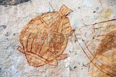 Pez antiguo arte rupestre en Ubirr, Australia