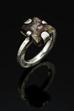 "Ring | Elizabeth Hake. ""Square bolt"""