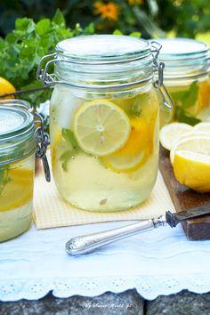 Lemoniada z melisą Cooking Time, Mason Jars, Lemon, Impreza, Drinks, Tableware, Sweet, Smoothie, Recipes