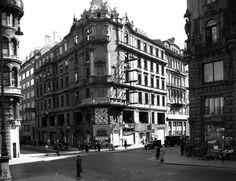 Stock im Eisen Platz, Wien 1950 Vienna, Street View, Black And White, Photography, Vintage, Photograph, Black N White, Black White, Fotografie
