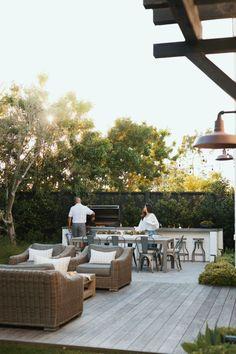 Small Backyard Design, Small Backyard Landscaping, Backyard Ideas, Porches, Backyard Fireplace, Architecture Design, Outdoor Gardens, Roof Gardens, Outdoor Living