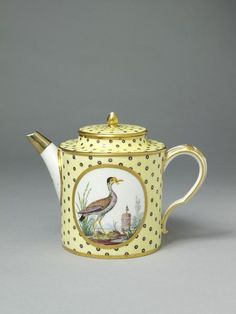 Théiere litron Teapot and cover  Sèvres, France  1793-1800 (made)   Evans, Étienne (painter)  Sevres (manufacturer)   Soft-paste porcelain painted with enamels and gilded