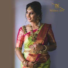 Blouse Back Neck Designs, Bridal Blouse Designs, Saree Blouse Designs, Blouse Styles, Bride Portrait, Saree Look, Saree Wedding, Wedding Bride, Indian Designer Wear