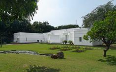 Architectural restauration and renovation: K2India, Sunita & Kohelika Kohli, New Delhi || Lighting design: Lightbox, Sharika Nath-Radhu & Ritika Nanda, New Delhi + Occhio projects / Heidi Lindner