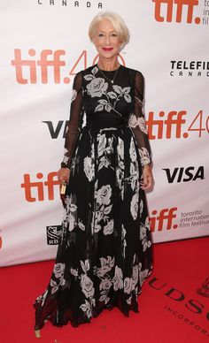 Pin for Later: Sorry New York – glamouröse Kleider gibt's auch in Toronto! Helen Mirren In einem Kleid von Dolce & Gabbana