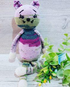 Crocheted Toys, Crochet Hats, Dinosaur Stuffed Animal, Animals, Knitting Hats, Crochet Toys, Animales, Animaux, Animal