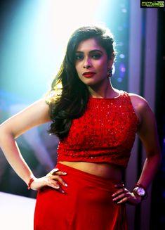 Keerthi Shanthanu vj Dance Vs Dance co;our tv Anchor Kiki Vijay 2019 Latest HD Gallery Indian Actresses, Actors & Actresses, Indian Models, Indian Celebrities, South Indian Actress, Classic Beauty, Beautiful Actresses, Lehenga, Indian Fashion