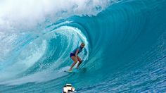 we've all seen soul surfer and this girl, bethany hamilton, has become such a HUGE inspiration to me. Bethany Hamilton, Pro Surfers, Skater Girl Outfits, Skater Girls, Surfing Photos, Soul Surfer, Learn To Surf, Water Me, Surfs Up