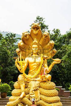 Shiva Art, Hindu Art, Dojo, Krishna Mantra, Krishna Quotes, Sculpture Images, Stone Sculpture, Photo Art Gallery, Shiva Shankar