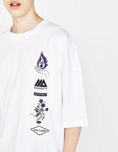 Oversized T-shirt with print - T-Shirts - Bershka United States - Oversized T-shirt with print - Design Kaos, Gfx Design, Graphic Design, Design Concepts, Shirt Logo Design, Tee Shirt Designs, T Shirt Logo, T Shirt Print, Grunge Soft