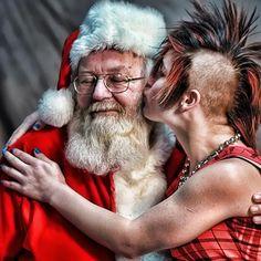Santa Love  Image Jill Burhans