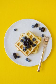 Best Waffle Recipes for Your Weekend | lovelyindeed.com