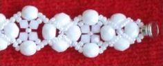 Fehér karkötö mintája