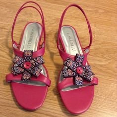 A Marinelli sandals Fuschia with cute bow! They just slip on! Uppers EUC, normal wear on soles. A Marinelli Shoes Sandals