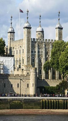 Originally built to strike fear into the hearts of rebellious Londoners, the Tower of London now makes a great tourist destination!