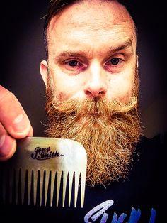 Jony Smiths beardcomb made with Ox horn
