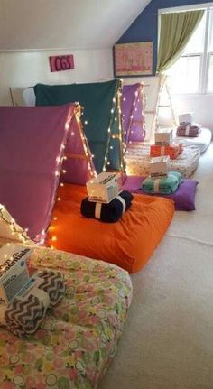 35 Ideas For Diy Kids Tent Bed Indoor Camping - Girls sleepover party - Sleepover Birthday Parties, Fun Sleepover Ideas, Sleepover Activities, Sleep Over Party Ideas, Sleepover Crafts, Sleepover Room, Party Activities, Birthday Party Decorations Diy, Party Favors