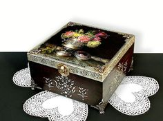 Caja decorada de mano grande, caja de joyería antigua, apenado de plata caja, caja de la baratija, caja de costura, caja marrón oscurezca con plata