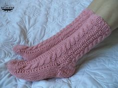 Hand knitted cable socks by ORIMONO http://orimono.ga