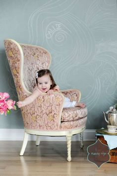 Vintage little girl photo shoot  Rusty Love Vintage Rentals & Vanity's Edge Design