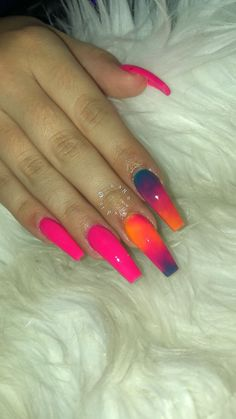 How to choose your fake nails? - My Nails Aycrlic Nails, Glam Nails, Coffin Nails, Sparkle Nails, Stiletto Nails, Nail Swag, Best Acrylic Nails, Acrylic Nail Designs, Acryl Nails