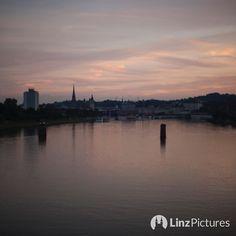 #linz  . . . #igerslinz #donau #danube #upperaustria #danube #morning #coffee #skyline #view #fromwhereistand #igersaustria #mood #christmas #sky  #wels #steyr #traun #enns #salzburg