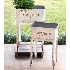 August Grove Chrisman 16 ft x 12 ft Farm 2 Piece Metal Raised Garden Set August Grove Chrisman 16 ft Metal Bins, Metal Planter Boxes, Barrel Planter, Rustic Planters, Farmhouse Garden, Rustic Farmhouse, Farmhouse Outdoor Decor, Victorian Farmhouse, Garden Plant Stand