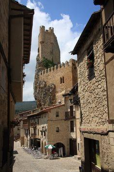 Torreón del Castillo de Frías by Pedro Elizundia, via 500px European History, 15th Century, Roman Empire, Tower Bridge, Middle Ages, Discovery, Madrid, Road Trip, Spain