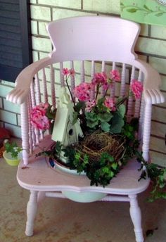 Pennys Vintage Home: Is it April Already?#more