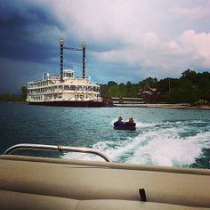 Nothing says summer fun in Branson like tubing on Table Rock Lake! Thanks to our Instagram friend cran92 for sharing her photo!